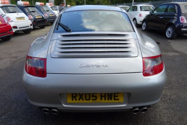 3213 1 600x400 - Porsche 911 3.6 997 CARRERA