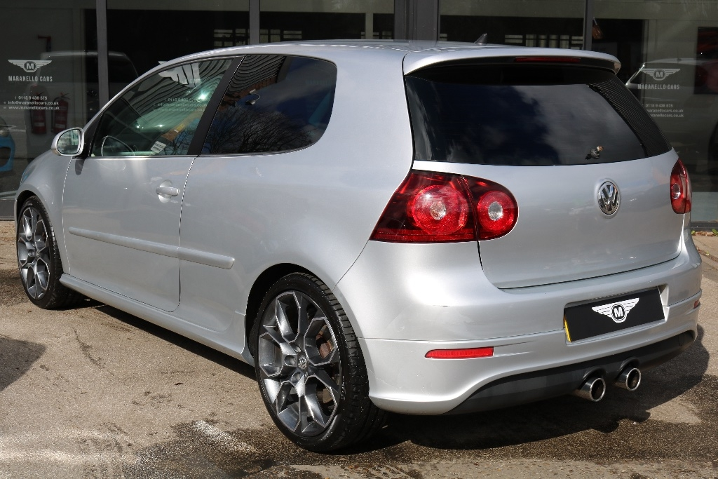 Volkswagen Golf 3.2 V6 R32 DSG 4Motion 3dr