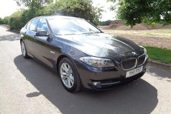 media 19 600x400 - BMW 5 SERIES 2.0 520d