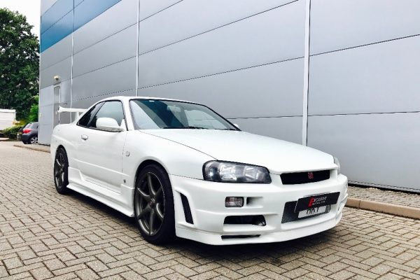 4434 600x400 - Nissan Skyline R34 2.5 GTT