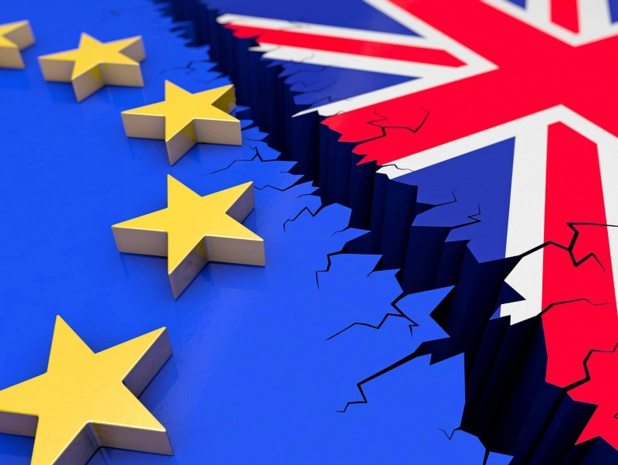 9734435 15699120 - Brexit l'angleterre et l'importation automobile anglaise video
