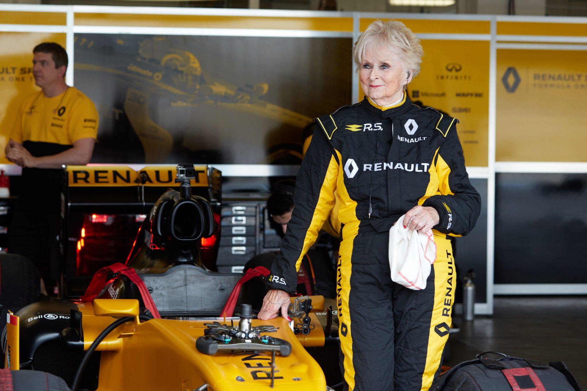 a 79 ans elle pilote la f1 r s 17 16222 1 P - A 79 ans, elle pilote la Formule 1 R.S.17