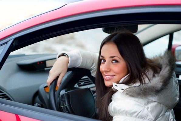 ukauto femme 1 - Achat voiture occasion