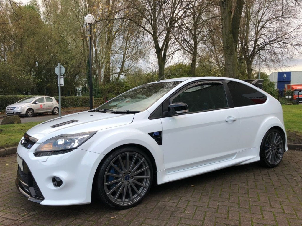 ukauto import ford focus 2 5 rs 3dr 300 bhp pas cher import rhd ford focus 2 5 rs 3dr 300. Black Bedroom Furniture Sets. Home Design Ideas