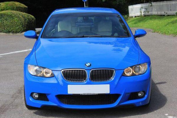 b3 1 600x400 - BMW 3 SERIES 3.0 330I M SPORT 2d AUTO 269 BHP