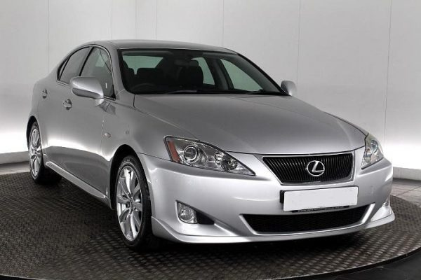 b9 600x400 - Lexus IS 250 2.5 SR 4dr