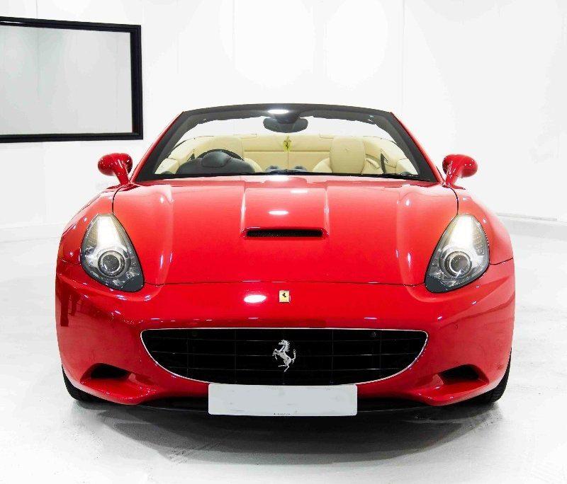 c4 6 800x684 - Ferrari California 4.3 2dr