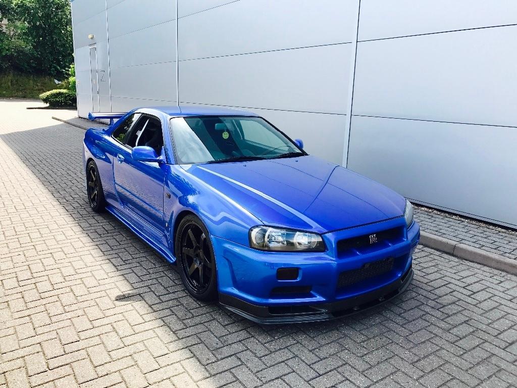 e5 1 - Nissan Skyline R34 2.6 GTR 2dr