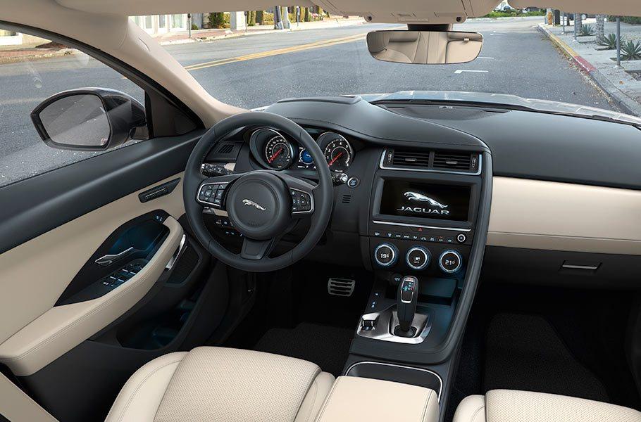 jaguar 22 - Voiture anglaise la jaguar E-Pace import angleterre