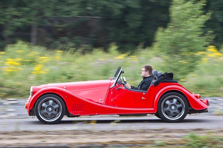 Voiture anglaise de collection La Morgan Plus 8