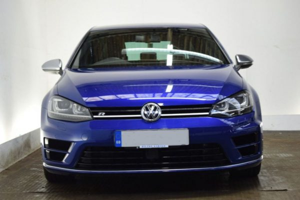 d2 10 600x400 - Volkswagen Golf 2.0 R [LEATHER/HEATED SEATS] 5d 298 BHP