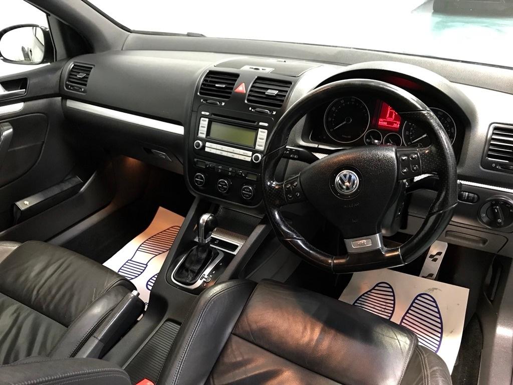 volkswagen golf 3 2 v6 r32 hatchback 3dr petrol dsg 4motion 233 g km 247 bhp ukauto achat. Black Bedroom Furniture Sets. Home Design Ideas