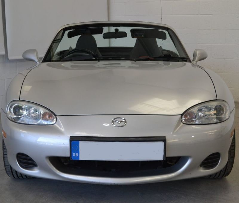 e1 3 800x682 - Mazda MX-5 1.6 EUPHONIC 2d 109 BHP