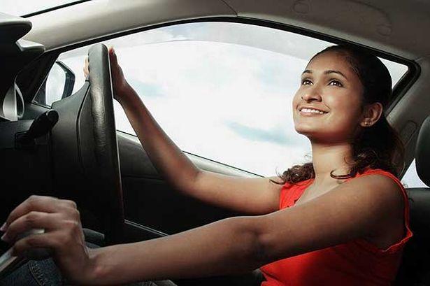 La femme anglaise plus sûres que les conducteurs anglais sur les routes anglaises1 - La femme anglaise plus sûres que les conducteurs anglais sur les routes anglaises