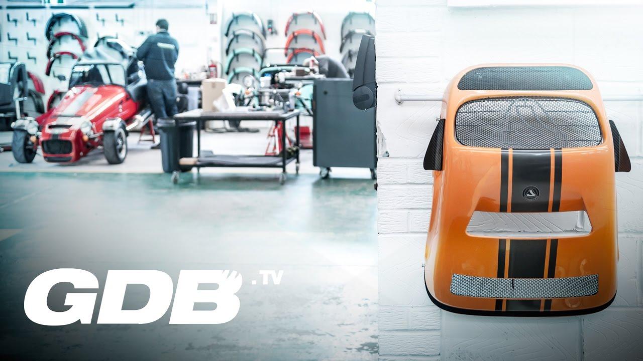 b2g0kfi37d8 - Dans l'usine Caterham angleterre se poursuit la voiture britanique la Seven