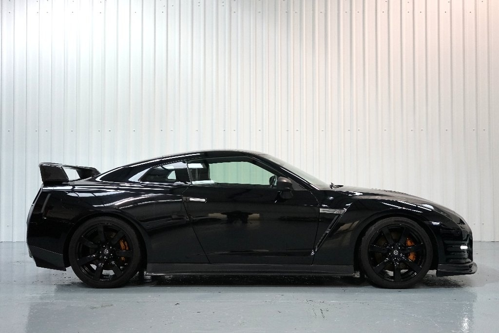 nissan gt r 3 8 v6 black edition 2dr ukauto achat auto angleterre import voiture d occasion. Black Bedroom Furniture Sets. Home Design Ideas