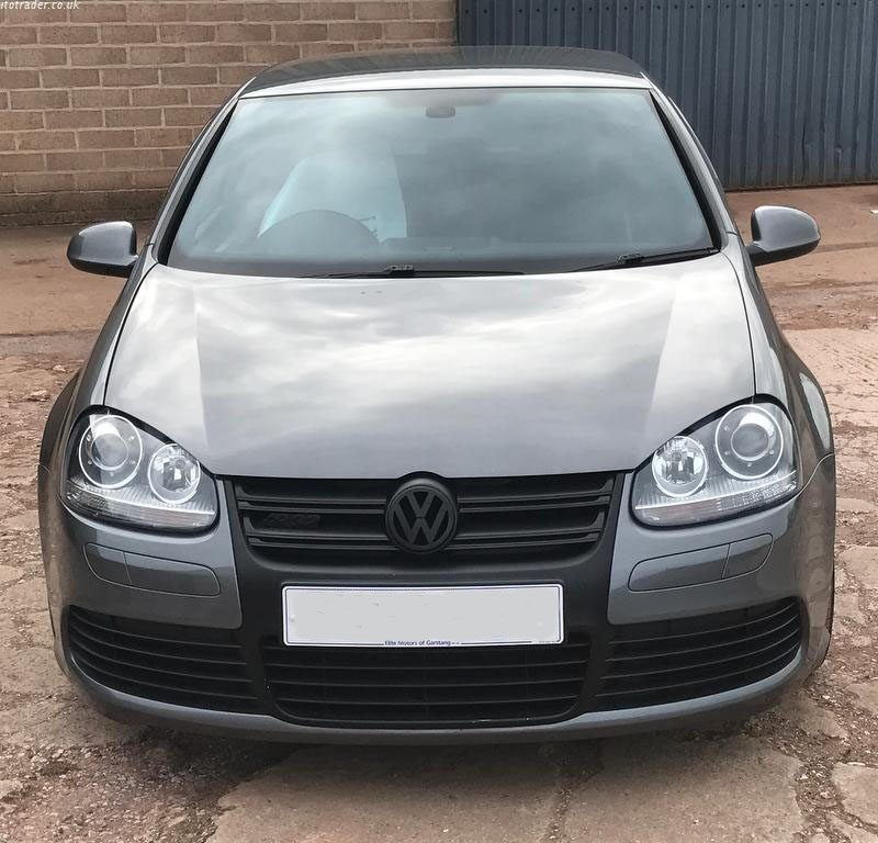 z6 800x768 - Volkswagen Golf 3.2 V6 R32 4MOTION