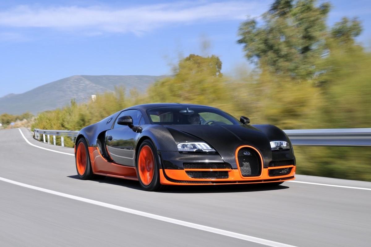 Dépassé 400 kmh sur une autoroute en Allemagne avec Bugatti Veyron Video1 - Dépassé 400 km/h sur une autoroute en Allemagne avec Bugatti Veyron Video